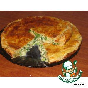 Рецепт: Нежный  пирог  из трех сыров с луком