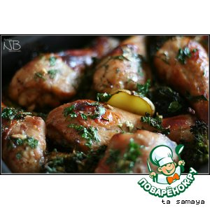 Рецепт: Запеченные куриные ножки с картофелем и брокколи