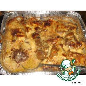 Рецепт: Язык, запеченный в сливочном соусе с картофелем