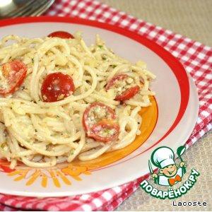 Рецепт: Спагетти с миндалем и помидорами черри