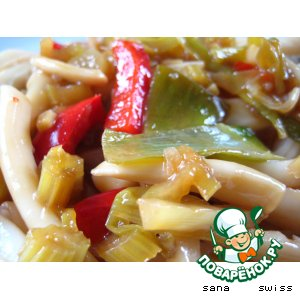 Рецепт: Рисовая лапша с кальмаром по-китайски
