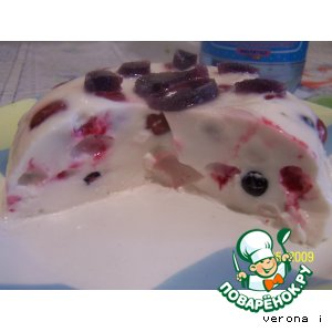Рецепт: Сметанное желе с ягодами