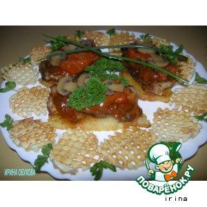 Рецепт: Эскалоп с томатным соусом и чесноком