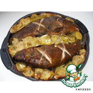 Рецепт: Линь, запеченный в духовке с картофелем