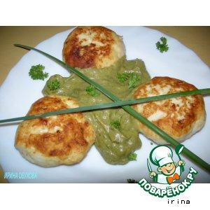 Рецепт: Куриные котлеты с соусом из щавеля