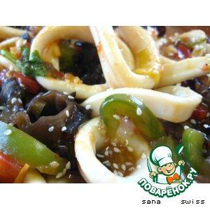 Рецепт: Кальмары   в   китайском   соусе   с   грибами   шиитаки