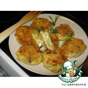 Рецепт: Картофельные сырно-грибные биточки в кляре