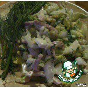 Рецепт: Салат с кальмарами и пекинской капустой