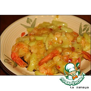 Рецепт: Креветки с цуккини в кисло-сладком ананасовом соусе
