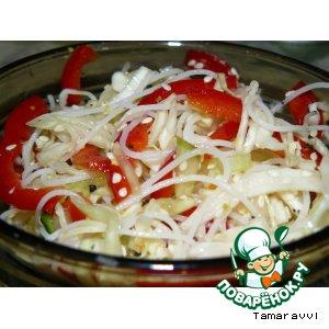 Рецепт: Салат с рисовой лапшой