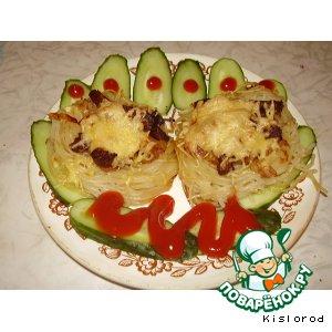 Рецепт: Печень по-венециански в гнездах