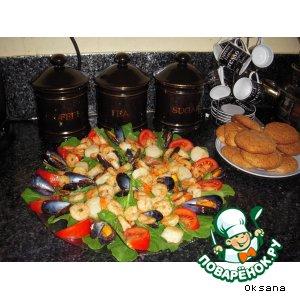 Рецепт: Морепродукты в чесночно-оливковом соусе