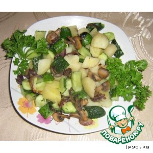 Рецепт: Картофельный салат с огурцами и грибами