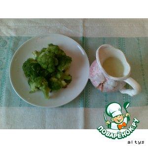 Рецепт: Отварная капуста брокколи с соусом