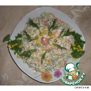Рецепт: Салат пикантный с копченой рыбой