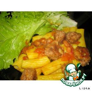 Рецепт: Фрикадельки с томатным соусом и макаронами