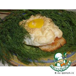 """Бутерброд """"Гнездо"""" – кулинарный рецепт"""
