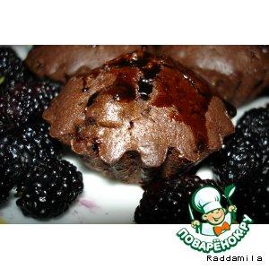 Рецепт: Шоколадные кексы с шелковицей