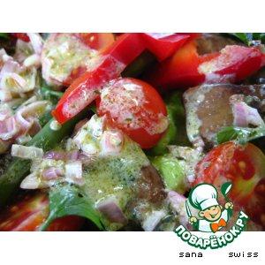 Рецепт: Салат из куриной печени и овощей
