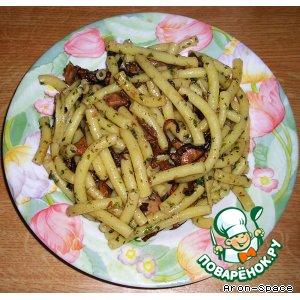 Рецепт: Грибы в сливочном соусе с рожками