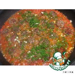 Рецепт: Купаты в томатно-чесночном соусе