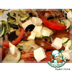 Рецепт: Салат из цуккини с оливками