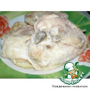 Рецепт: Тушеная курица в сметане