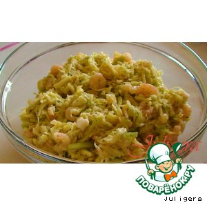 Рецепт: Салат из молодой капусты с креветками