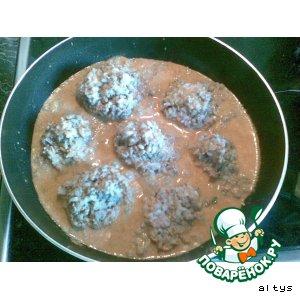 Рецепт: Мясные ежики с соусом