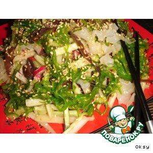 Рецепт: Салат с миксом японских водорослей  и древесными грибами