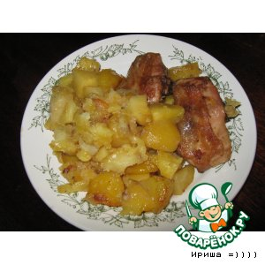 Рецепт: Куриные бедрышки с картофелем и ананасами в рукаве