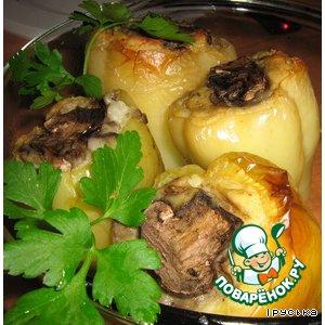 Рецепт: Зеленый перец, фаршированный картофелем