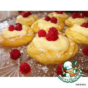 Рецепт Колечки с ванильным кремом и ягодами