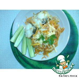 Рецепт: Рыба тушеная с морковью и луком