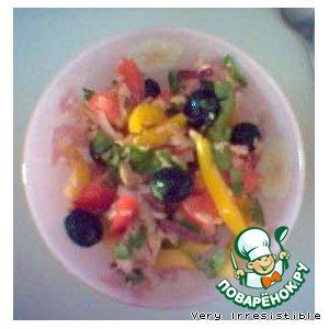 Рецепт: Легкий салат с тунцом