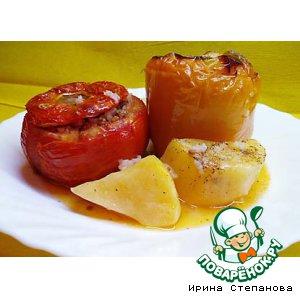 Рецепт: Фаршированные помидоры с перцем Гемиста