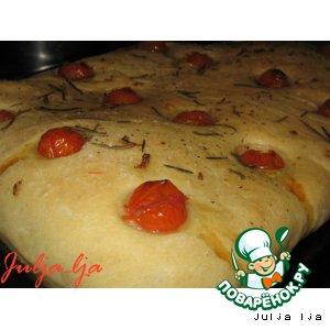 Рецепт: Фокачча с помидорчиками черри и розмарином