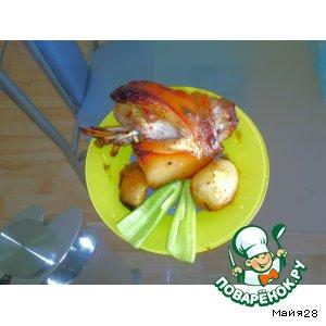 Рецепт: Рулька в майонезно-аджично-медовом соусе с картофелем