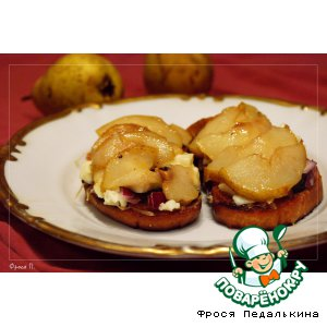 Рецепт: Тосты с сыром и грушами