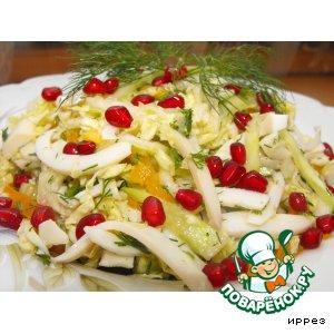 Рецепт: Салат из пекинской капусты с кальмарами