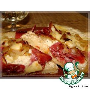 Рецепт: По мотивам эльзасской пиццы Тарт Фламбе