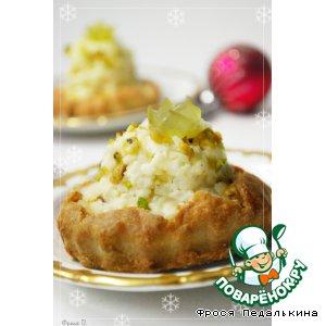 Рецепт: Сырные тарталетки с короной из винограда