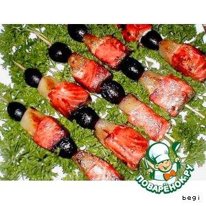 Рецепт: Шашлык  из  семги  с  фруктами