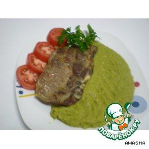 Рецепт: Запеченное мясо с гороховым пюре