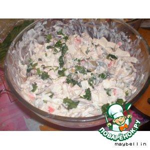 Рецепт: Салат из мидий и кальмаров Морская пучина