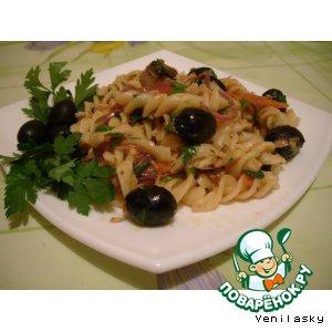 Рецепт: Паста с маслинами и тунцом