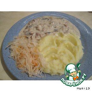 Рецепт: Курица с грибами в сметанном соусе