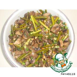 Рецепт: Шампиньоны с кедровыми орешками