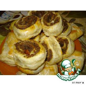 Рецепт: Слоеные пирожки с печенью