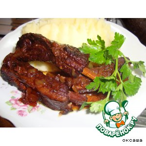Рецепт: Тушеные свиные ребра в меду
